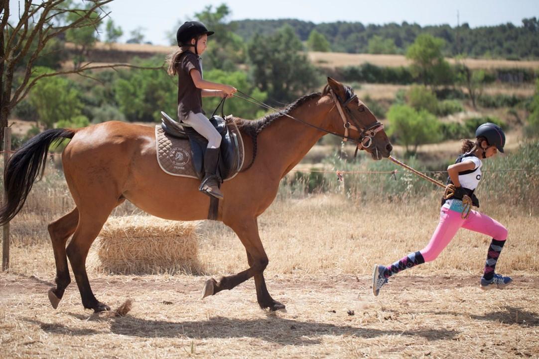 Campamentos de verano caballos en inglés en España con BRITISH SUMMER