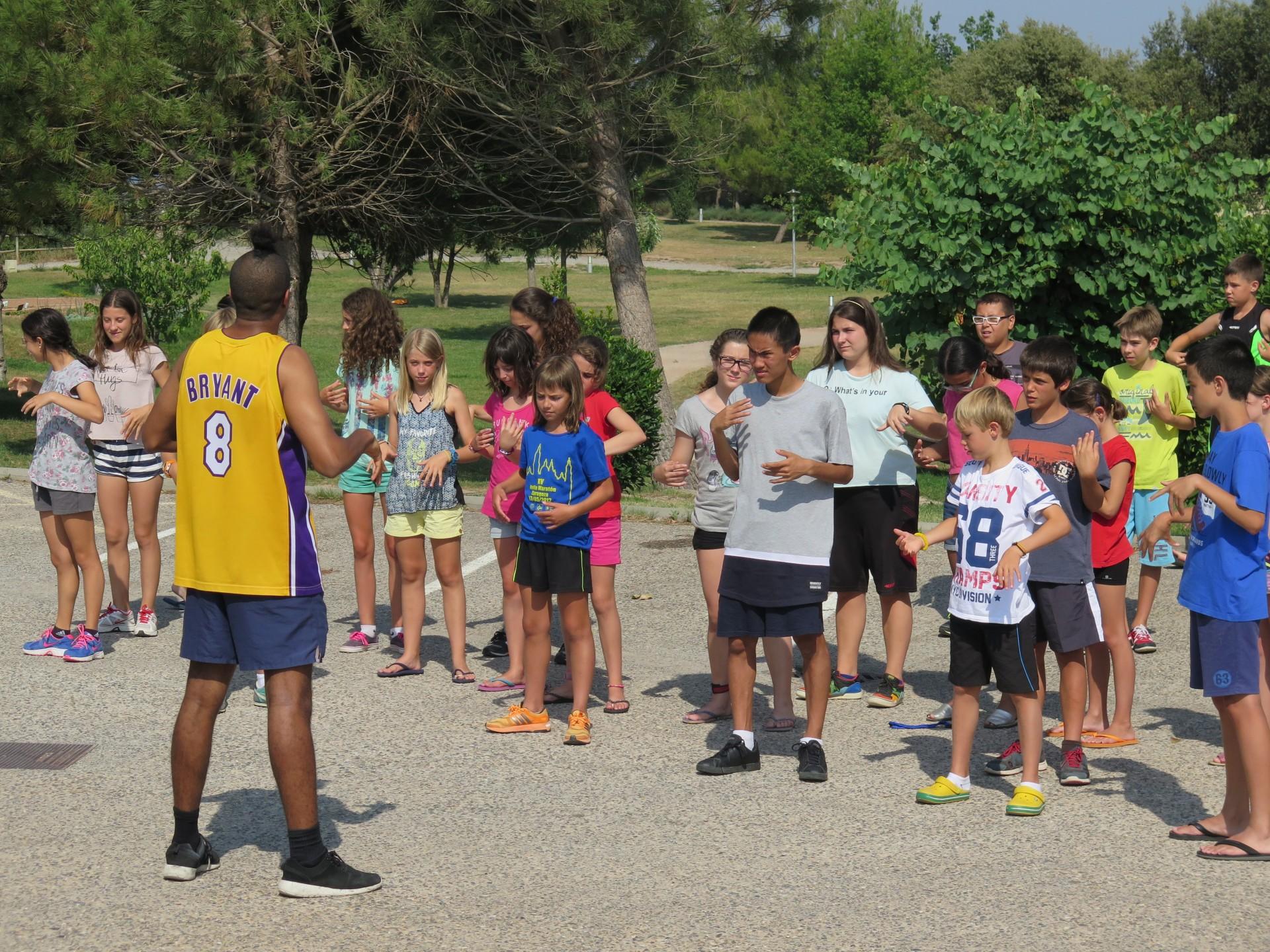 Campamentos de verano en inglés volley hockey con BRITISH SUMMER